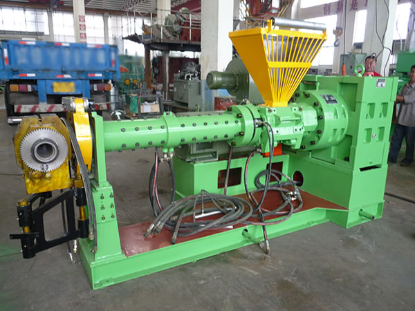 Cold Feed Extruder for Rubber, Pin-Barrel Type